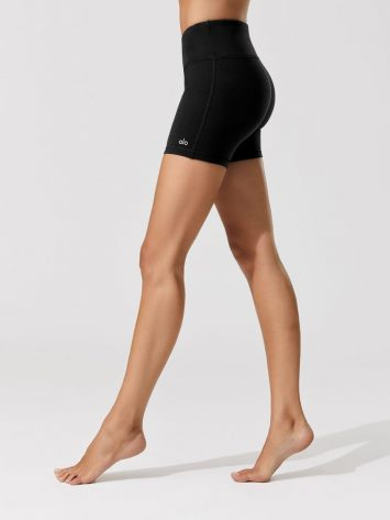 ALO YOGA Burn Shorts Black Black – Sexy Workout Shorts-Booty Shorts