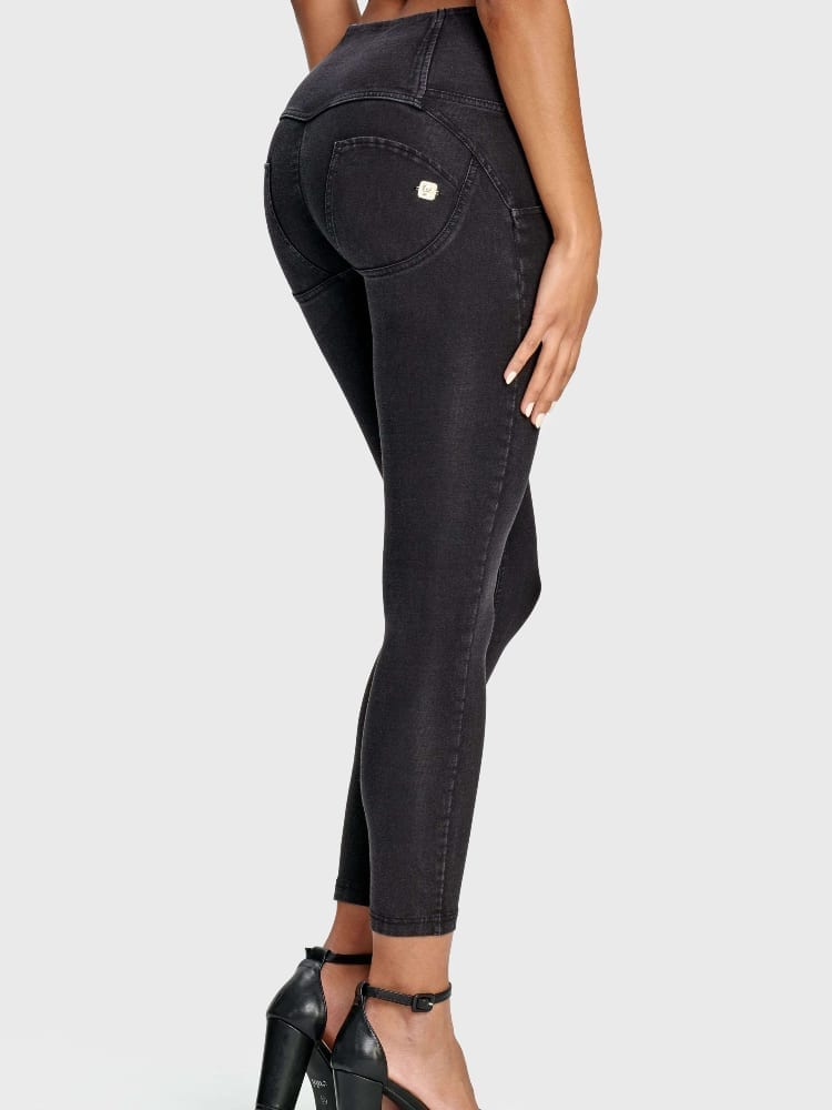 Freddy WR.UP® Denim - 3 Button 7/8 Length - High waist - St. Black - (Black)